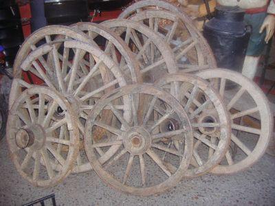 Ruedas de carretas antiguas for Ruedas industriales antiguas para muebles