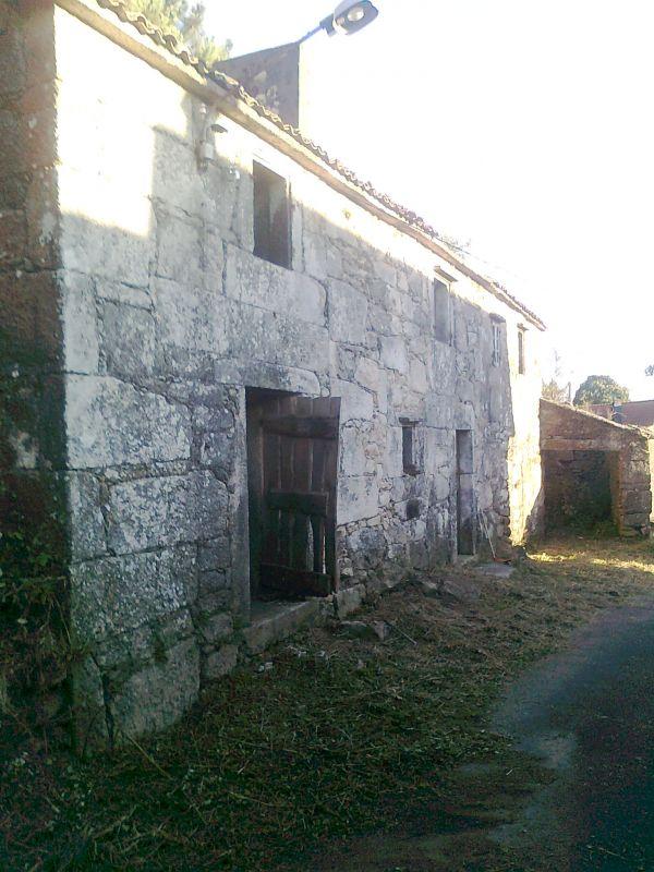 Casa de piedra tradicional para restaurar - Casa para restaurar ...