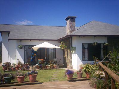 Se vende impresionante casa en comasagua ideal para for Hostal ciudad jardin malaga
