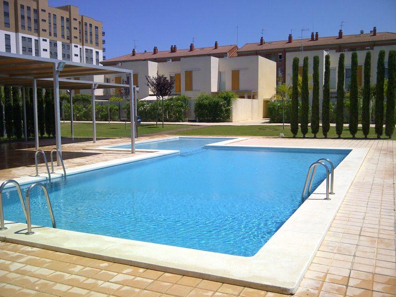 Limpieza y mantenimiento de piscinas en valencia - Piscinas prefabricadas en valencia ...