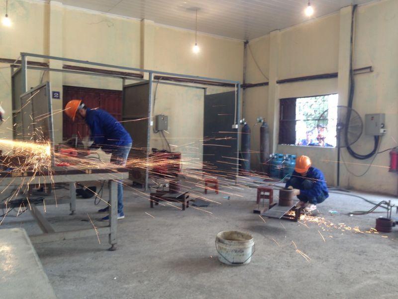 Vietnam labour services supply manpower from vietnam for Oficinas manpower barcelona